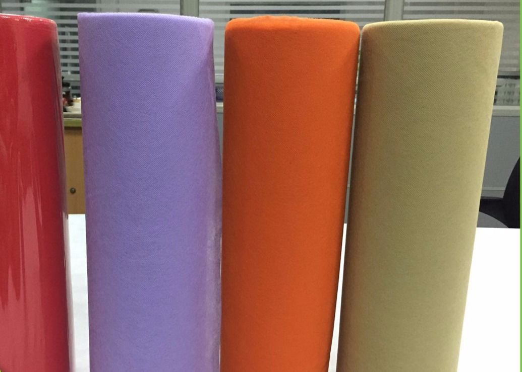 Degradable Spunbond Non Woven Fabric Roll , Disposable PP Nonwoven Tablecloth